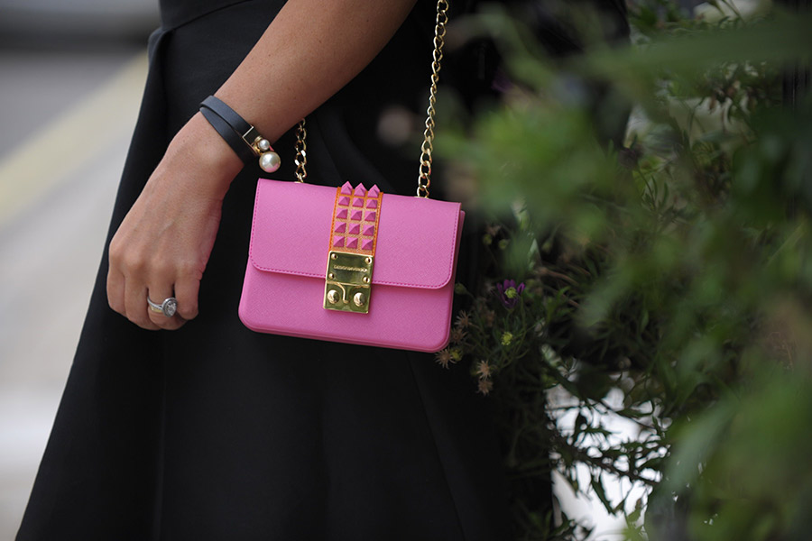 Summer pink designer accessories - pink handvag and Dior cuff